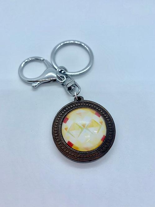Silver Wooded Pattern Red and Yellow Diamond Key Ring