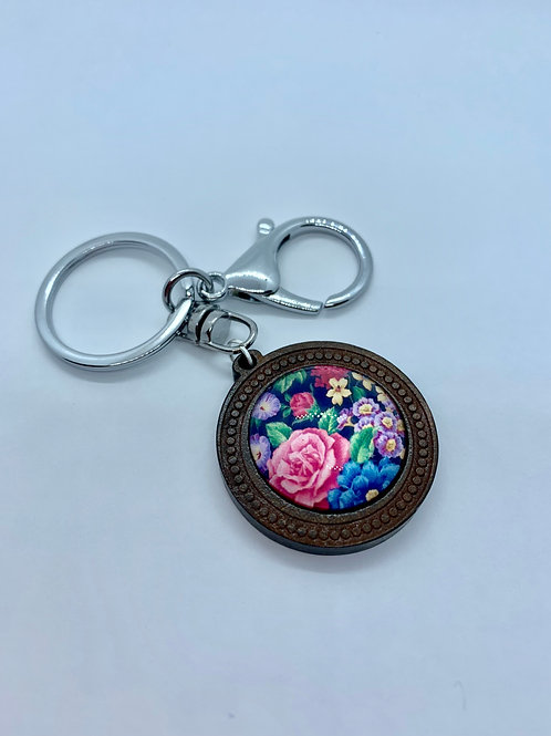 Silver & Wooded Pattern Floral Key Ring