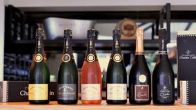 Vinolog predstavio šampanjski sekstet Charles Collin