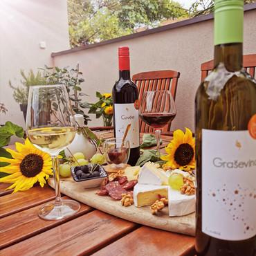Ideja za jesensku zabavu: Pozovite prijatelje na wine tasting party