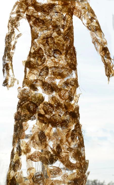 long-sleeve cricula dress (detail)