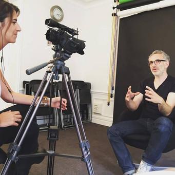 Actuellement : tournage d'interviews