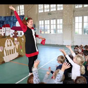 """Bande annonce du spectacle """"Le Merveilleux Noël de Cloé"""""""