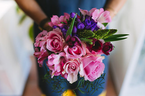 Canva%20-%20Flower%20Bouquet%20in%20Hand