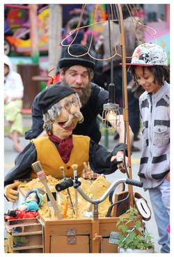 archeo_loco_spectacle_de_marionnettes_déambulatoire