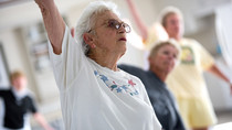 senioren stoel yoga