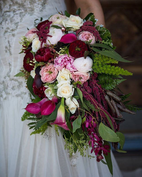 Looking for a trailing bouquet for your