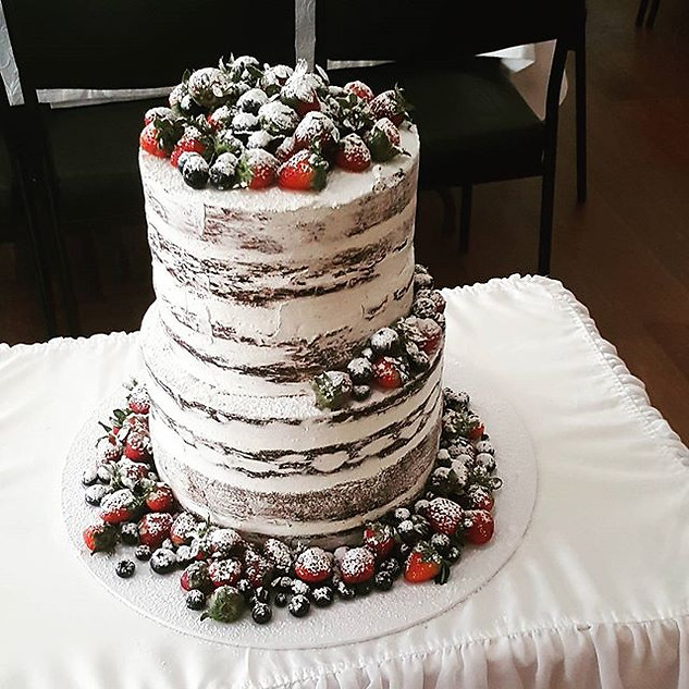 Rustic Wedding Cake with berries