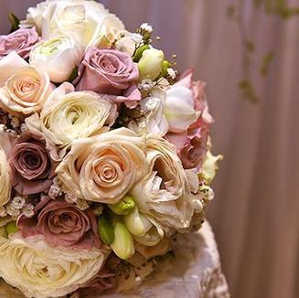 Lilac, cream & white bouquet