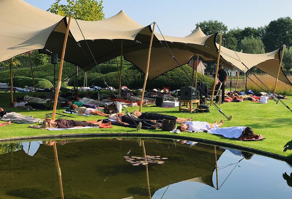 evenement 2refresh meditatie ontspan ontstress groep relax relaxatie