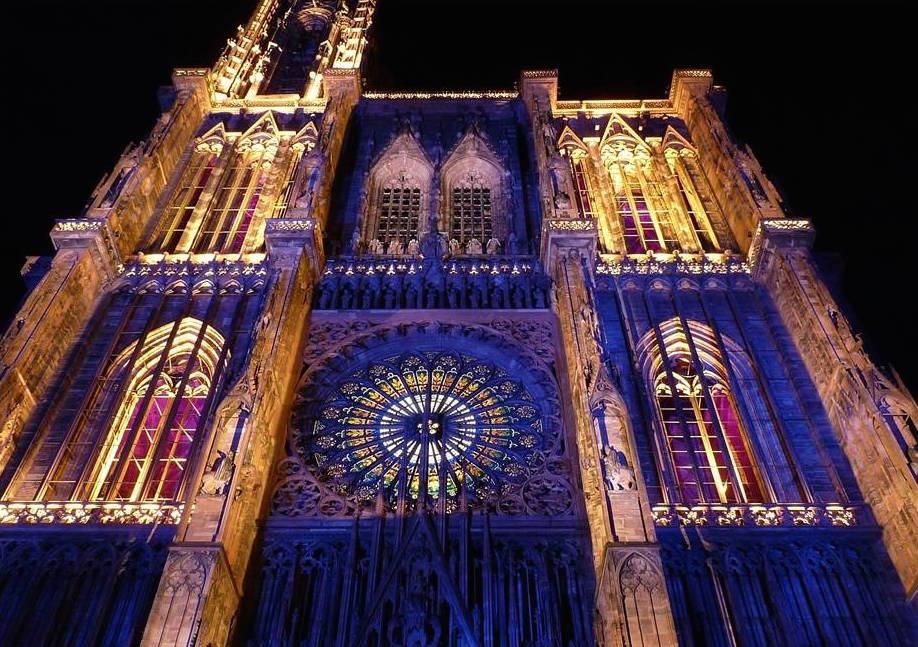 son_et_lumieres_cathédrale_de_Srasbourg.jpg