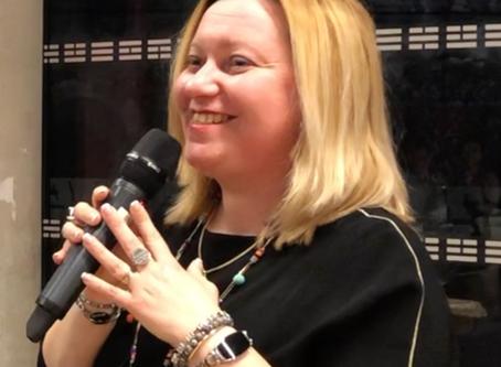 Aline, avocate,  prête serment à 44 ans