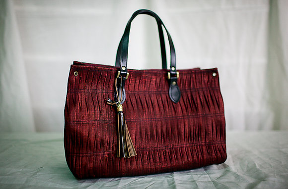 square abaca balud in red