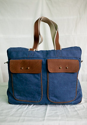 filipiNomad weekender in distressed blue and brown
