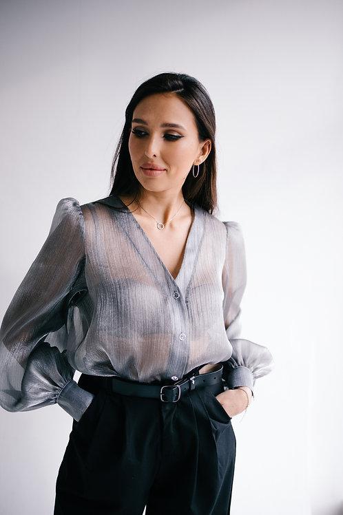 Блузка серая блестящая
