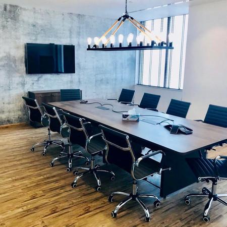 Hogarth Dubai Boardroom.