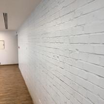 Hogarth Feature white Brick Wall