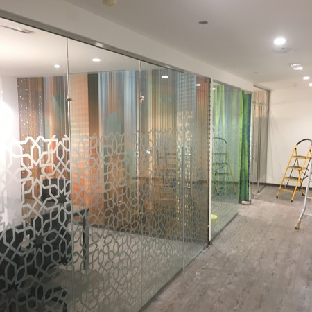 Grayling Dubai Glass Partition