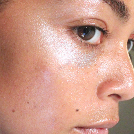 How to Combat Effects of Humidity on Hair & Makeup