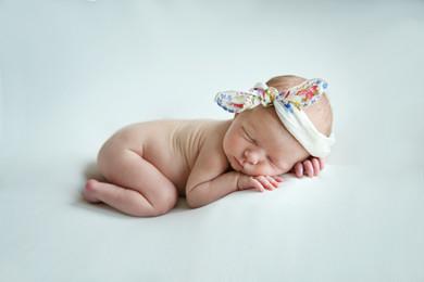 newborn picture denton tx.jpg