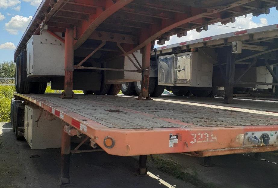2012 Lode King Super B Flat Deck - Unit 323 A&B