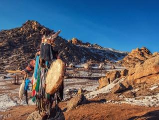 Le chamanisme : origines, traditions, tendances et bienfaits