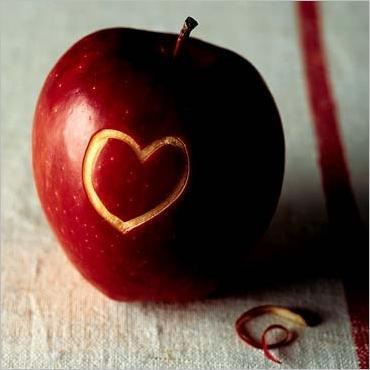 Vieille superstition des campagnes pour savoir si il vous aime.