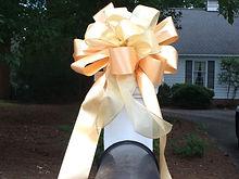 gold-bow2.jpg