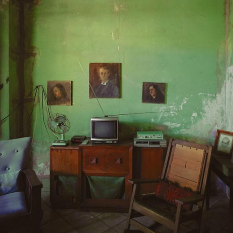 Cuban apartment (Laz's family in 1980)