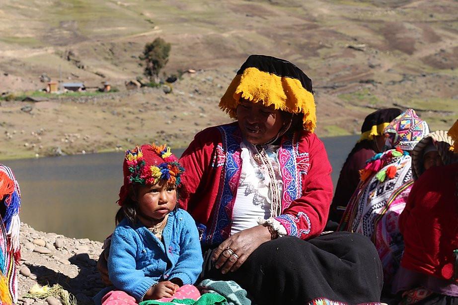 peruvian-children-andean-community