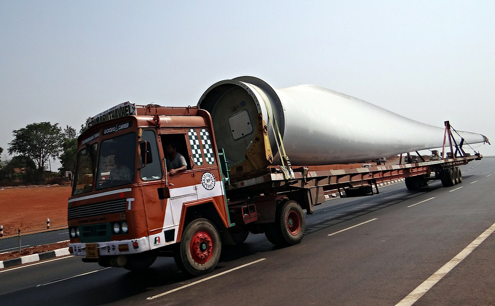 wind-turbines-components-transported-on-a-truck
