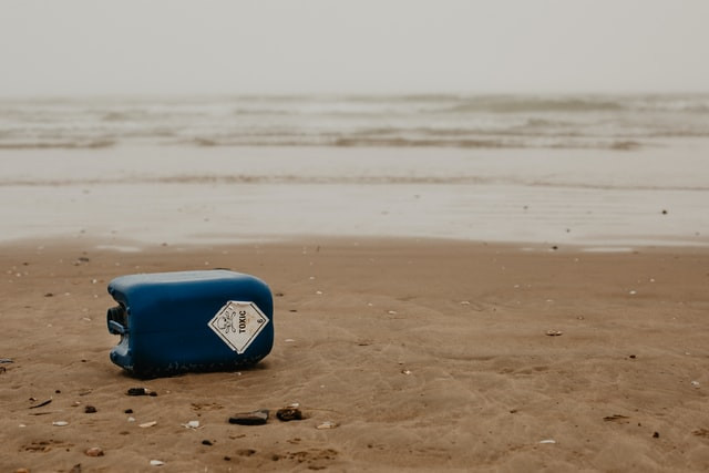 toxic-chemical-drum-on-beach