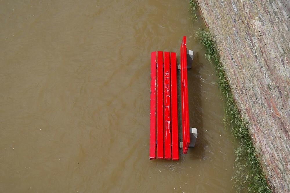 flood-red-bench-soil-erosion