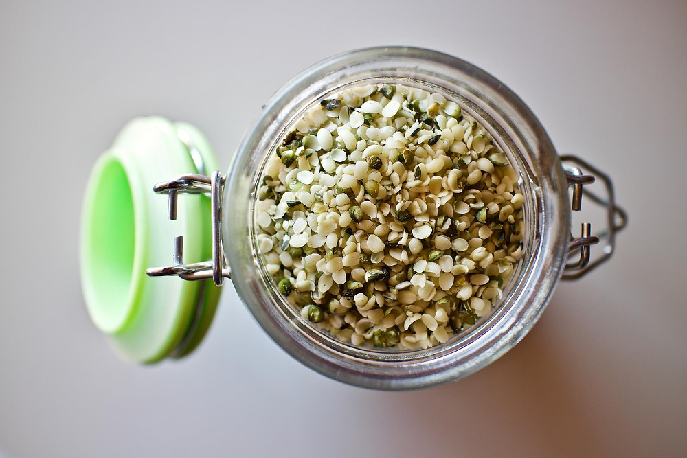 hemp-seeds-in-jar