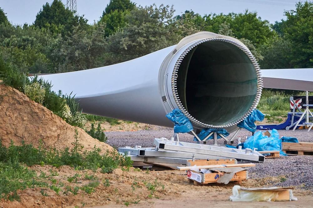 how-long-is-a-wind-turbine-blade