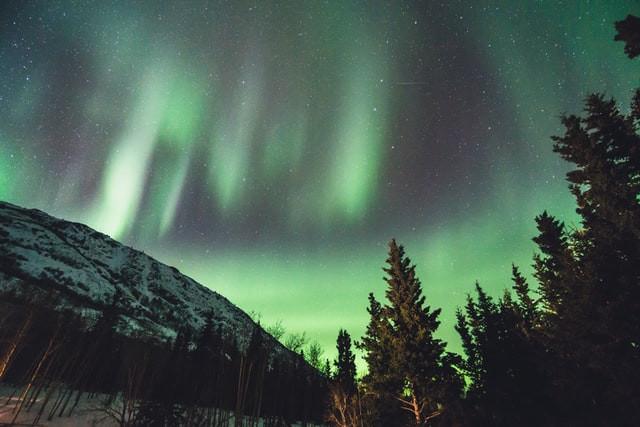 aurora-borealis-northern-lights-yukon