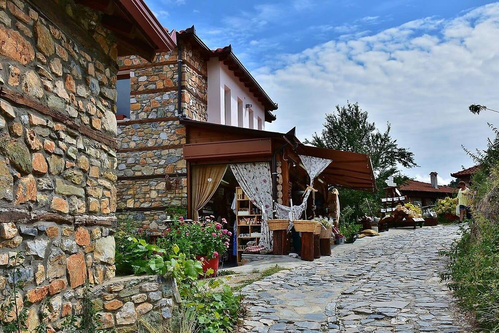 greek-village-stone-houses-stone-streets