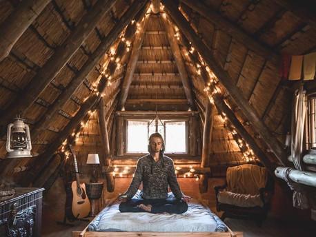 Jaukus keliautojo namelis Pietų Afrikoje ir knygos skaitymo idėja