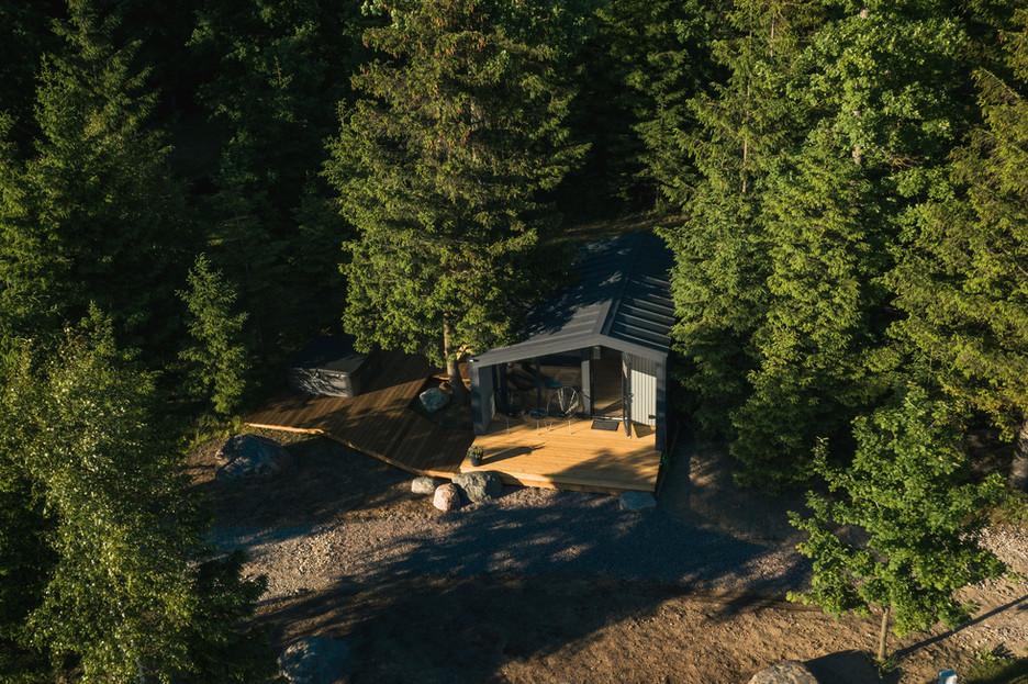 Rest in forest vandens namelis - namelis iš aukštai
