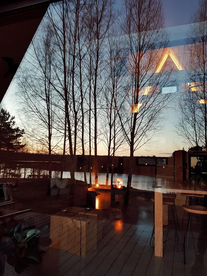 DOYOU PLACE vaizdas pro langą