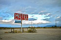 abandoned-motel.jpg