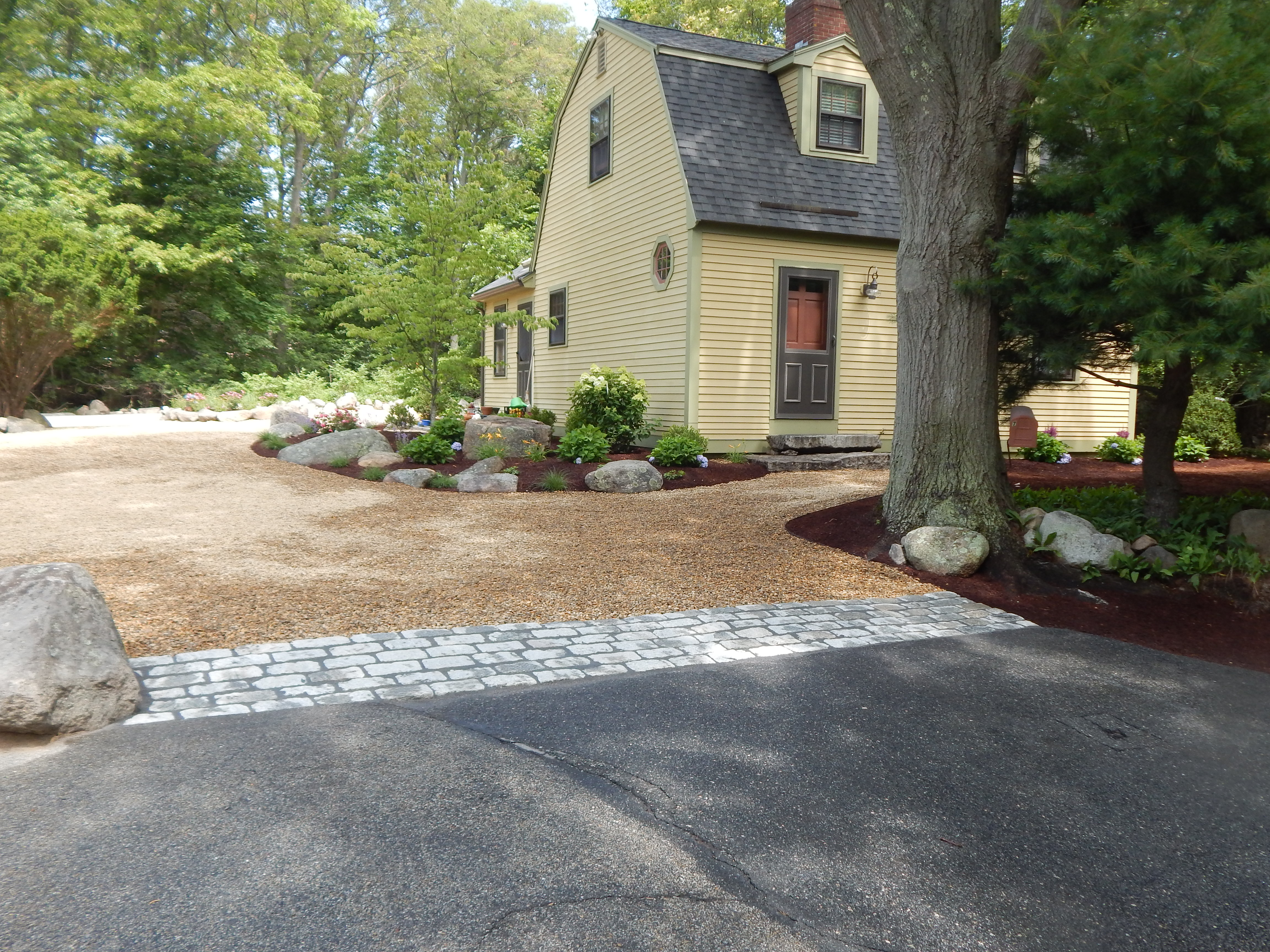 Pea Stone Drive/Cobble Apron