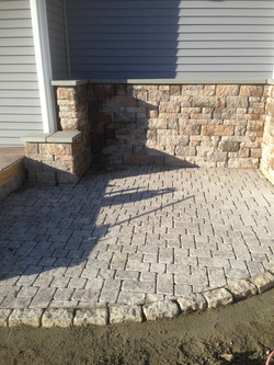 Paver Grill Patio with Wall