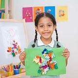 Menina de classe de arte