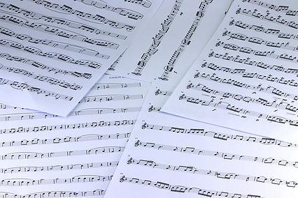 music-3943323_1280.jpg.jpg