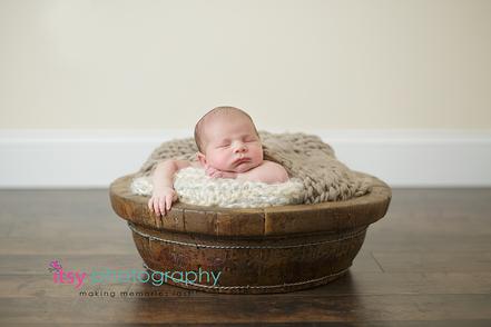 Newborn photographer, baby photography, infant photography, newborn boy,  brown blanket, wooden floor, wooden bowl