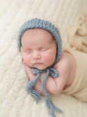 Newborn photographer, baby photography, infant photography, newborn boy, cream wrap, newborn posing ideas, blue hat, head on hands