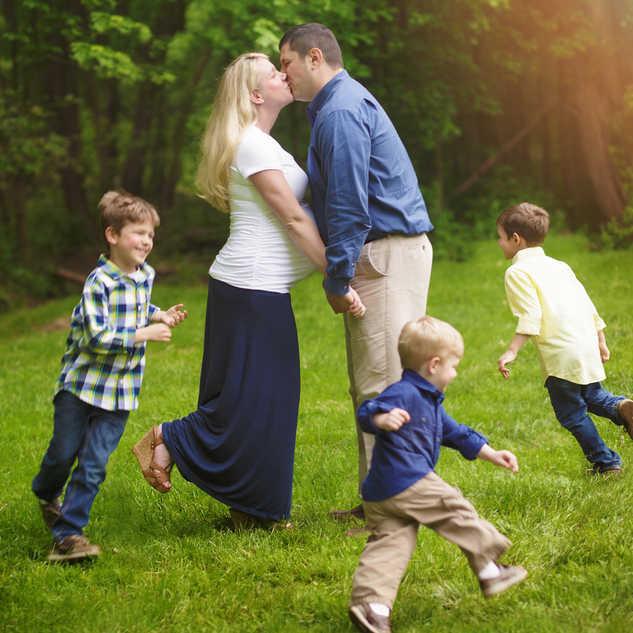 IMG_8970 family maternity.jpg