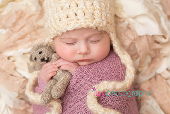 Newborn photographer, baby photography, infant photography, newborn girl, crochet hat, teddy bear, pink wrap, baby wrapping, newborn posing ideas