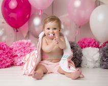 Cake smash, one year old girl, baby girl, baby photographer, newborn photographer, infant photographer,  hot pink, white, grey, bath